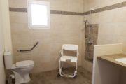 douche adaptée en Corse villa