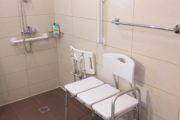 Salle de bain adaptée en Crète