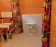 Salle de bain adaptée PMR