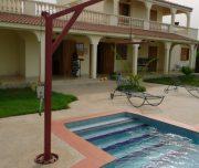 La piscine adaptée de la villa
